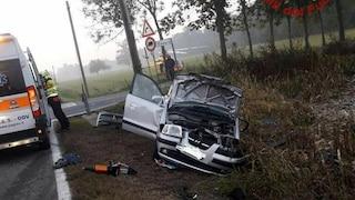 Novara, studentessa di 13 anni e la mamma muoiono in un incidente: stavano andando a scuola