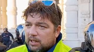 """Portuali di Trieste nel caos: """"Lo sciopero continua"""". Si dimette il portavoce Stefano Puzzer"""