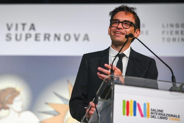 """Parte il Salone del Libro, Nicola Lagioia: """"Senza relazioni la pandemia ci ha resi più stupidi"""""""