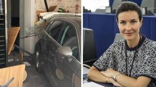 Sbaglia manovra e si schianta con l'auto nel ristorante, al volante la madre di Alessandra Moretti