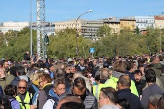 Proteste no Green Pass, oltre 5mila persone bloccano il porto di Trieste: disagi anche a Genova