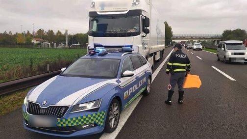 Pordenone, troppe ore alla guida: camionista colleziona 88 multe da 27mila euro in un solo controllo