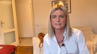 """La prof Andrea fa coming out a 61 anni davanti ai suoi studenti: """"Adesso sono una donna felice"""""""