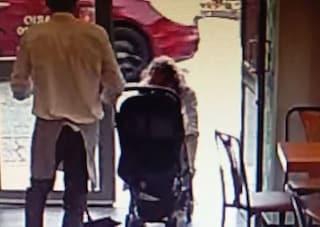 Torino, ex professore di liceo tenta di rapire una bambina, la folla prova a linciarlo
