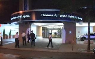 Usa, sparatoria in un ospedale a Philadelphia: aggressore spara ai pazienti in camice e mascherina