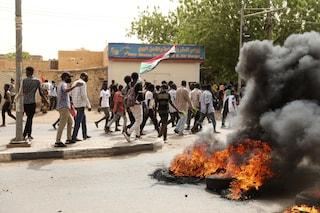 Colpo di stato in Sudan: militari arrestano Premier e ministri in casa, assaltata l'abitazione
