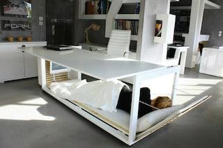 Da scrivania a letto: il riposino si fa in ufficio