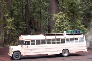 Da scuola-bus a casa dei sogni: ecco il destino di un vecchio pulmino