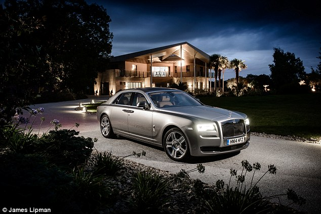 Lancio della nuova auto Rolls–Royce II