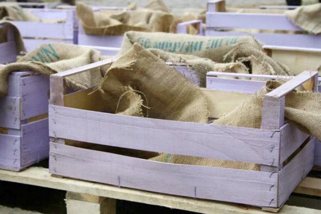 Come riciclare le cassette della frutta 20 idee geniali for Idee per realizzare una fioriera