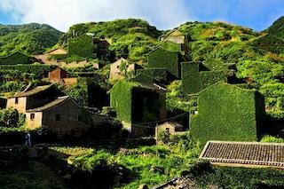 Cina: all'interno del villaggio abbandonato di Gouqi Island