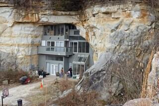La casa nella grotta: quando l'uomo domina la natura