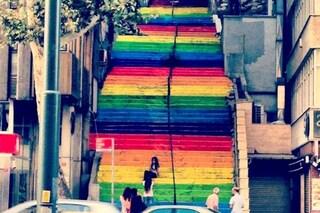 Istanbul: demolita la scala arcobaleno simbolo della città