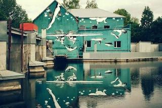 Arte di riflesso: il murale creato per specchiarsi nell'acqua