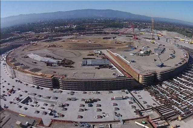 """L'Apple Campus 2 dal video """"The Donut"""" di MyithZ/Youtube"""