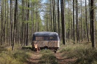 Lavorare in libertà: come trasformare un caravan d'epoca in un ufficio mobile