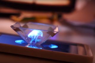 Come trasformare il proprio smartphone in un proiettore d'ologrammi 3D