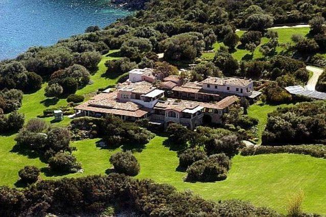 Interni Di Villa Certosa : Berlusconi vende villa certosa: arriva lofferta del principe saudita