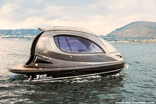 Jet Capsule, il nuovo modo di concepire gli spostamenti in acqua