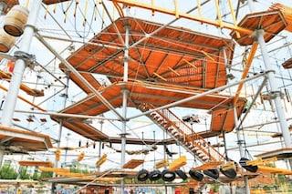 Berlino, ecco il primo parco giochi ad alta quota per vivere come una scimmia