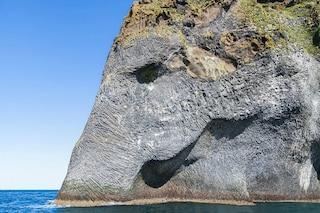 Islanda: ecco la roccia a forma di elefante che sta conquistando il mondo intero