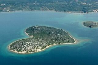 Natura romantica: le 10 isole a forma di cuore che vi conquisteranno