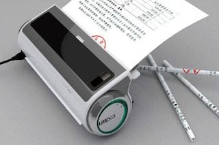 Brillanti invenzioni: ecco come realizzare utili matite con la carta riciclata