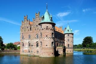 Castelli da favola: le 7 dimore circondate dall'acqua più belle d'Europa