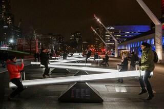 Spettacolo a Montreal: 30 altalene sonore illuminano la città
