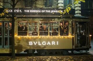 Milano: il tram si tinge d'oro e si profuma