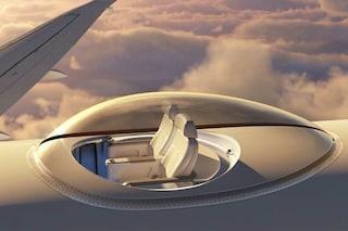 Con la testa fra le nuvole: ecco il primo aereo con i sedili sul tetto per panorami a 360°