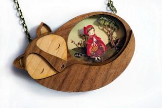 Il mondo delle fiabe in un gioiello: ecco i ciondoli che fanno tornare bambini