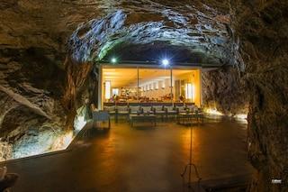 Camera senza vista: l'ex bunker dell'esercito diventa un albergo di lusso