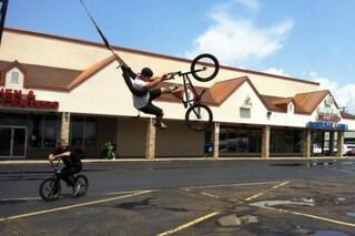 Bike swing: ecco la prima altalena alimentata a bicicletta