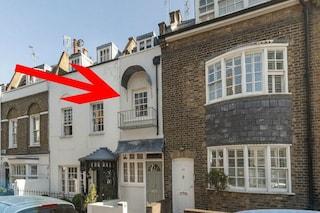 Londra, la casa più stretta della città ha un prezzo da capogiro