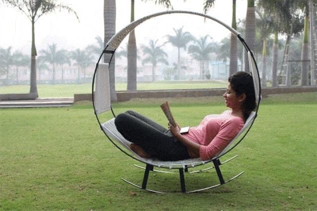 Sedia A Dondolo Inventore.Relax Da Esterni Per La Prima Volta Un Amaca E Una Sedia A