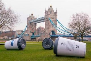 Londra: ecco come dormire in mega tazze di caffè