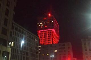 Fuorisalone 2016: la Torre Velasca si tinge di rosso