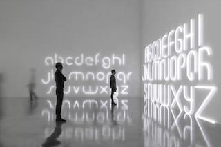 L'Alfabeto della luce: ecco le prime lampade per scrivere sui muri