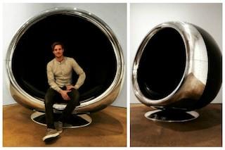 Seduti nel motore di un jet: ecco la sedia ricavata da un Boeing 737