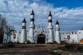 Da luogo magico a set dell'orrore: ecco il destino del Camelot Park