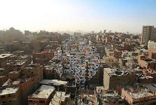 50 edifici per un unico murale: è la più grande opera d'arte pubblica mai vista al Cairo