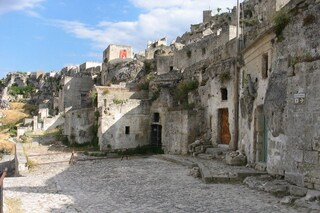 Il villaggio dei Flintstones esiste davvero: ecco dove si trova