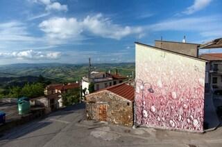 Avellino: Impronte di street art in onore di Salvatore Ferragamo