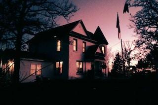 Airbnb da brividi: dalle ex pompe funebri al manicomio, ecco gli alloggi più spaventosi