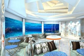 Cenare tra razze e squali: benvenuti nel nuovo ristorante sottomarino delle Maldive