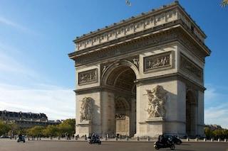Parigi, l'Arco di Trionfo compie 130 anni