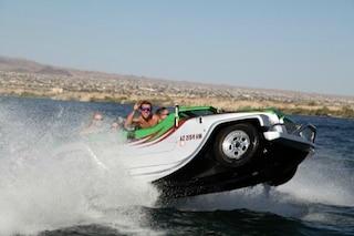 WaterCar Panther: l'auto che diventa barca è il veicolo più divertente dell'estate
