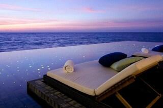 Viste mozzafiato e servizi privilegiati: ecco le piscine di lusso più esclusive al mondo