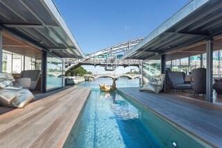 Parigi, arriva il primo hotel galleggiante sulla Senna